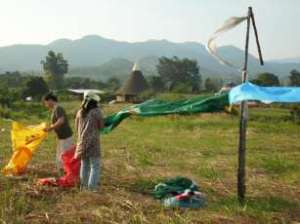tying-prayer-flags2