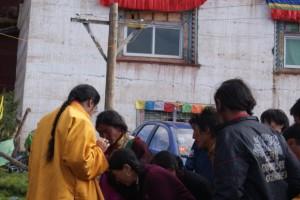 sang ngag gives blessing